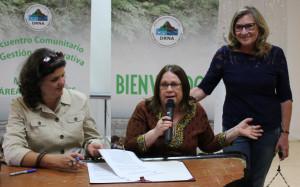 Firma de acuerdo entre la organización ALAPAS y el DRNA.